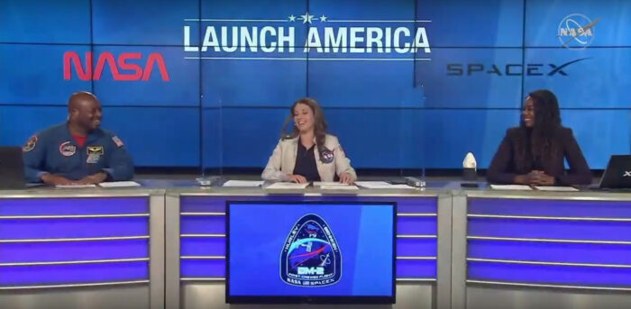 Lauren Lyons, a SpaceX Mission Integration Engineer, and NASA crew members commentate